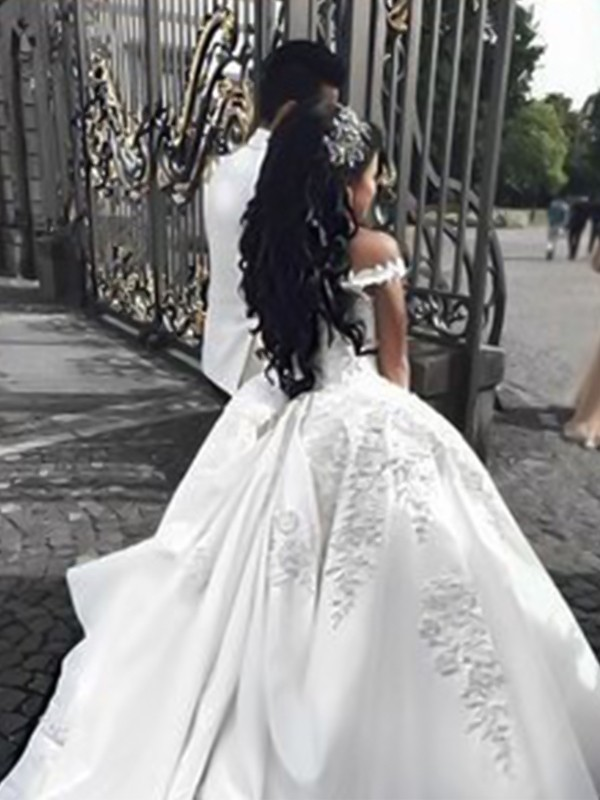 Sweep/Brush Train Ball Gown Off-the-Shoulder Sleeveless Satin Applique Wedding Dresses