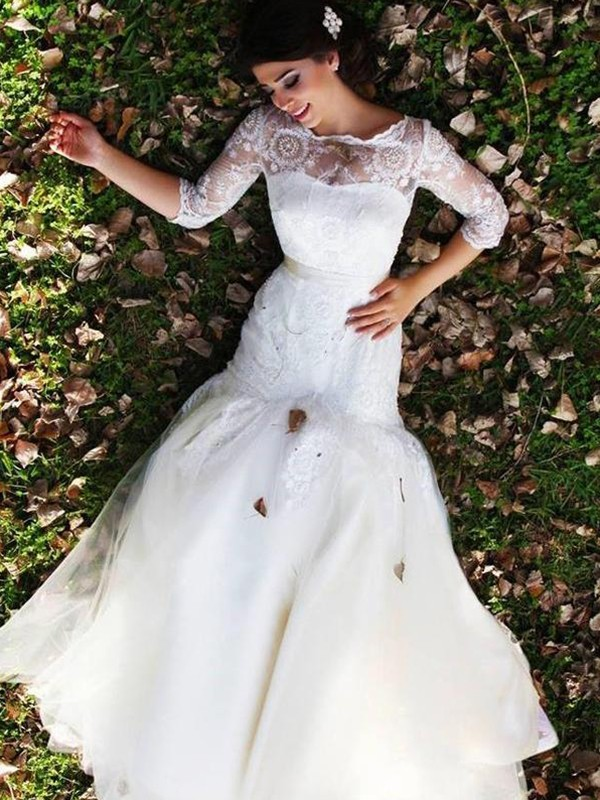 Floor-Length Trumpet/Mermaid Lace Bateau 1/2 Sleeves Tulle Wedding Dresses