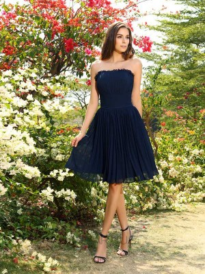 A-Line/Princess Strapless Chiffon Sleeveless Knee-Length Pleats Bridesmaid Dresses