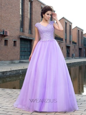 Ball Gown V-neck Short Sleeves Net Applique Floor-Length Dresses