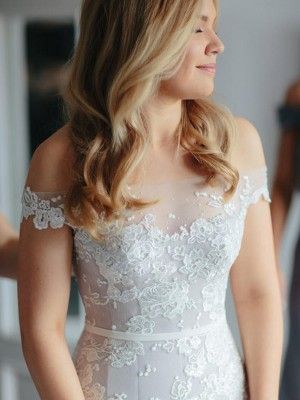 Trumpet/Mermaid Off-the-Shoulder Lace Applique Tulle Sleeveless Court Train Wedding Dresses
