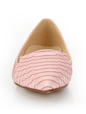 Women's Sheepskin Closed Toe Flat Heel With Fish-scale Pattern Casual Shoes