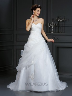 Ball Gown Sweetheart Sleeveless Court Train Beading Organza Wedding Dresses