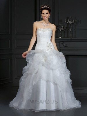 Ball Gown Sleeveless Strapless Beading Organza Court Train Wedding Dresses