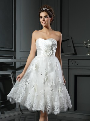 A-Line/Princess Sweetheart Sleeveless Satin Ruched Tea-Length Wedding Dresses