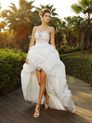A-Line/Princess Sweetheart Sleeveless Beading Organza Asymmetrical Wedding Dresses