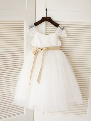 Ball Gown Scoop Sleeveless Sash/Ribbon/Belt Tea-Length Tulle Dresses