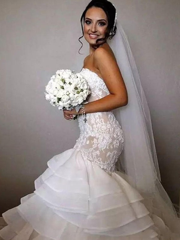 Trumpet/Mermaid Sweetheart Sleeveless Lace Ruffles Applique Organza Chapel Train Wedding Dresses