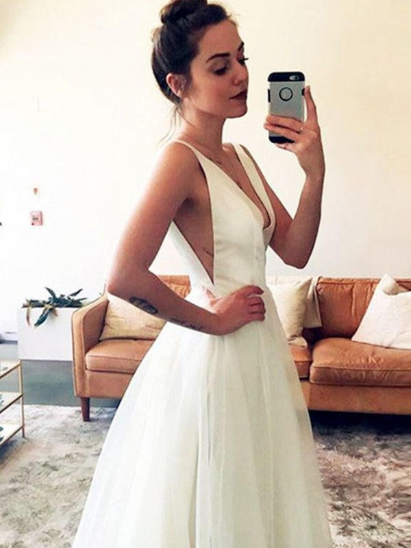 A-Line/Princess V-neck Ruched Sleeveless Tulle Sweep/Brush Train Wedding Dresses