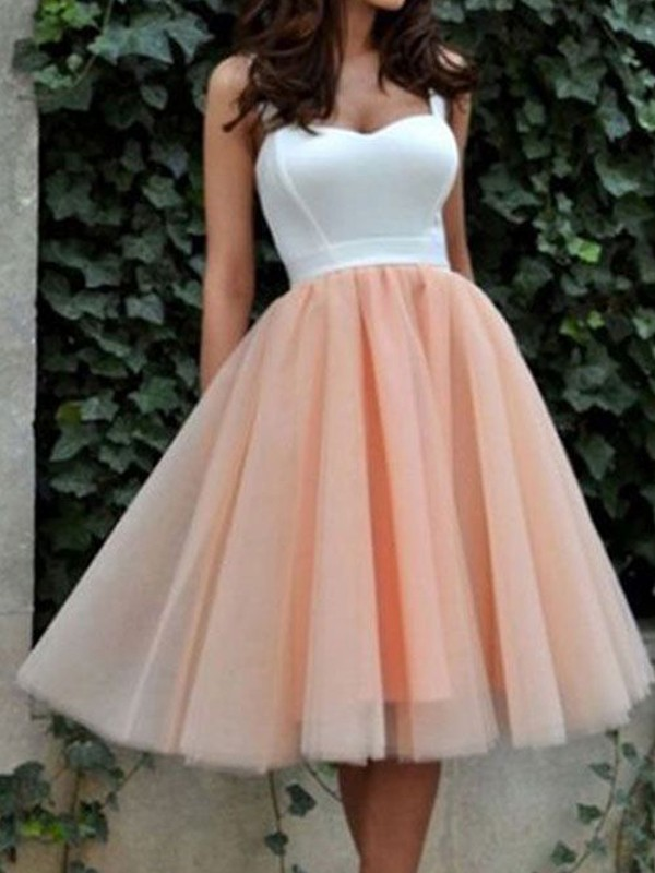 A-Line/Princess Sweetheart Sleeveless Knee-Length Dresses With Tulle