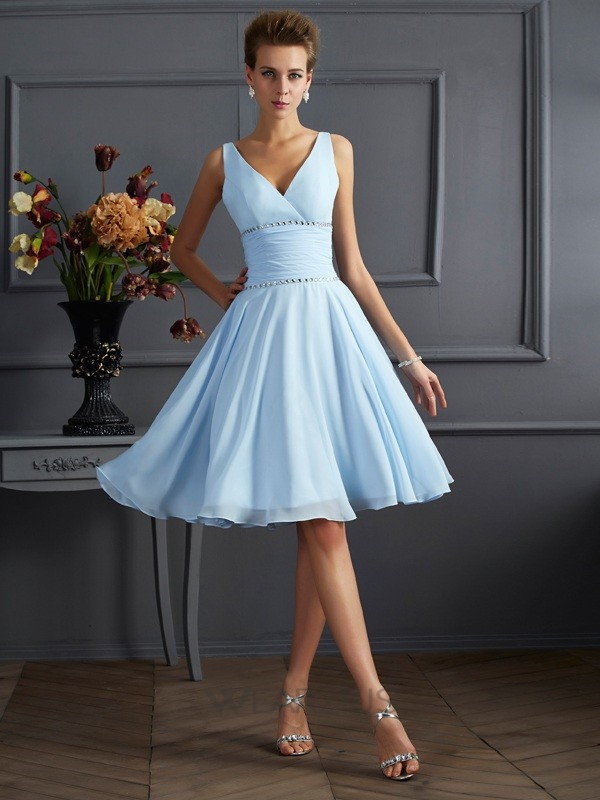 A-Line/Princess V-neck Chiffon Knee-Length Bridesmaid Dresses