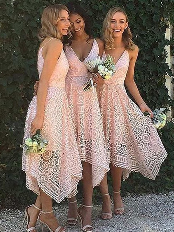 A-Line/Princess V-neck Sleeveless Asymmetrical Bridesmaid Dresses with Lace